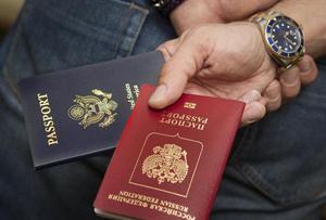 Получение россиянами второго паспорта